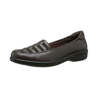 Easy Street Womens genesis Leather Closed Toe Loafers