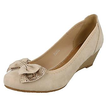 Ladies Anne Michelle Mid Wedge Court Shoes F9983