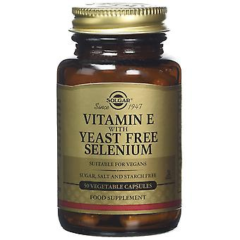 Solgar Vitamin E with Yeast-Free Selenium Vegetable Capsules, 50