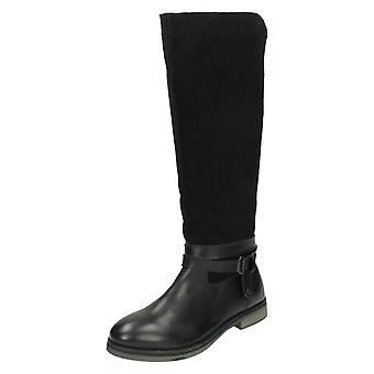 Ladies Leather Collection Knee High Boots With Zip Fastening