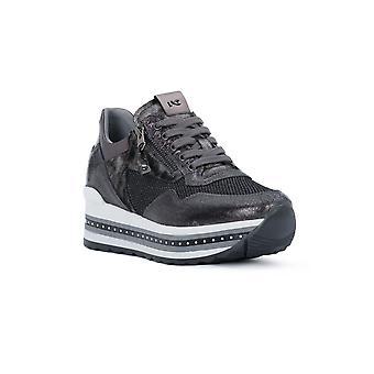 Black gardens crack gray fashion sneakers