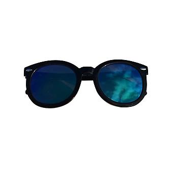 Oversized sunglasses with edgy glass
