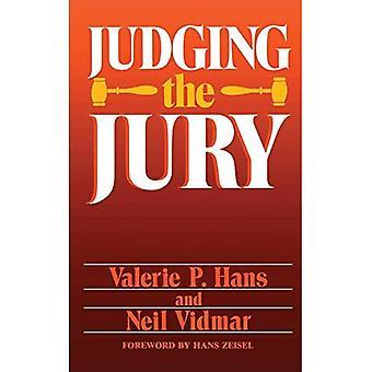 Giudicare la giuria