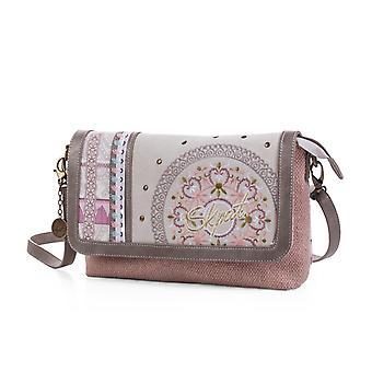 92261 taske kvinde skuldertaske med klap. Foring print. Indvendig lomme. Lynlås lukning og klap med knaplukning. Baglomme. Med sølv