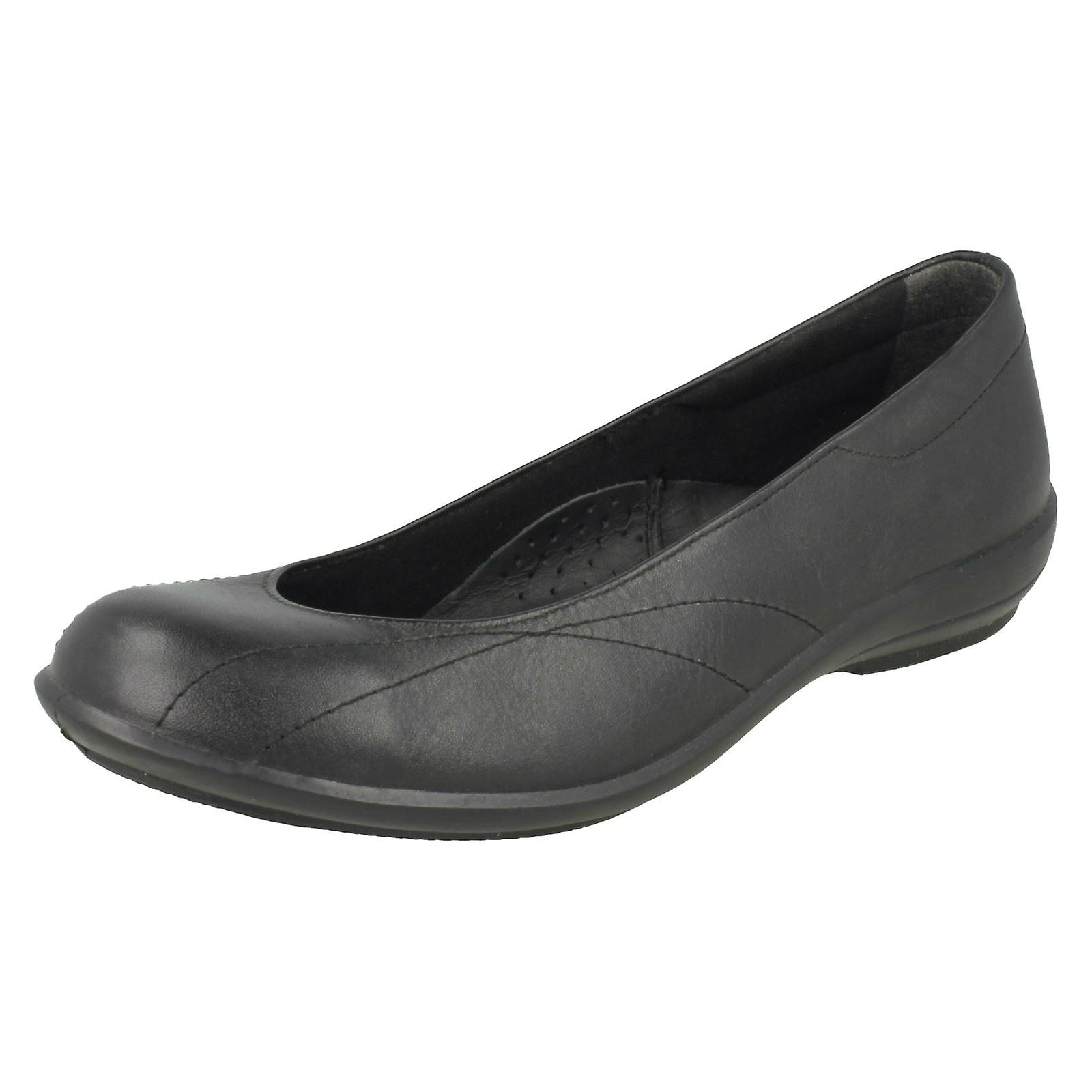 B simple dames large montage chaussures plates Honiton