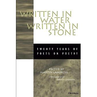 Skrivet i vatten, skrivet i sten: tjugo år av poeter om poesi