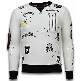 Exklusiv grundläggande broderi-tröja patchar-vit