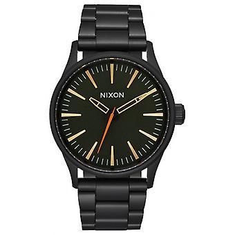 Watch Nixon die Sentry 38 SS - Schwarz/Gold