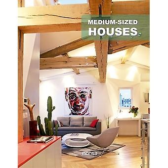 Medium-Sized Houses (Paperback) by Monsa