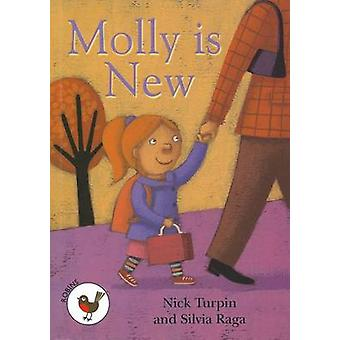 Molly is New - Robins Level 1 by Nick Turpin - 9781783224555 Book