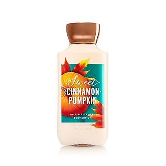 Bain et corps travaille Sweet Cannelle Pumpkin Body Lotion 8 fl oz / 236 ml