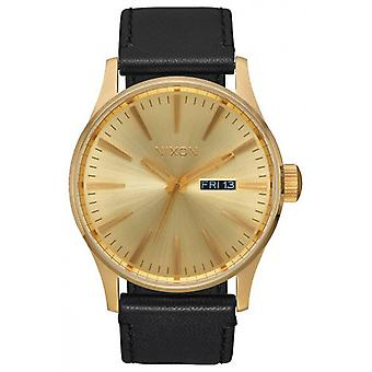 Nixon de Sentry Leather Watch - goud/zwart