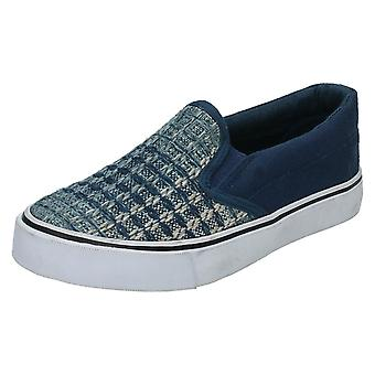 Garçons JCDees Slip On Canvas Shoes