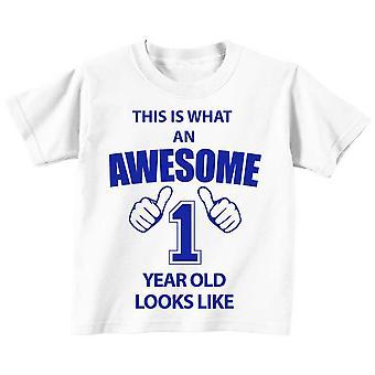 Esto es lo que un impresionante 1 año viejo se ve como blanco camiseta azul texto