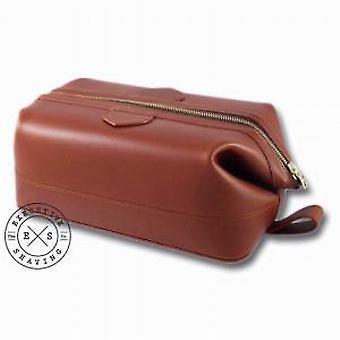 Daines et Hathaway Chestnut Wash Bag
