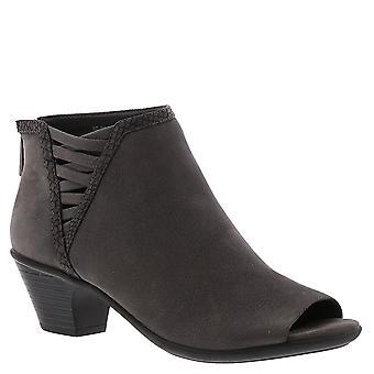 Easy Street Women's Paris Ankle Boot