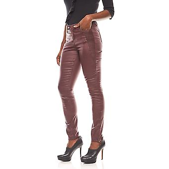 Laura Scott women's coated pants leather look with Pintuck details Bordeaux