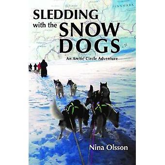 Pulka med snö hundarna - polcirkeln äventyr av kälkåkning w