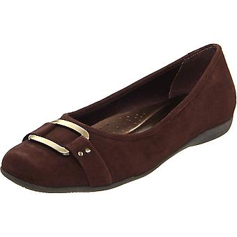 Trotters Womens sizzle Suede Square Toe Loafers