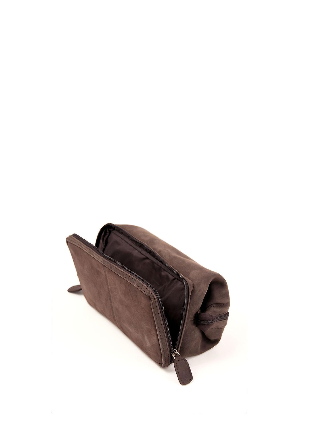 Hunter Leather Wash Bag in Chocolate