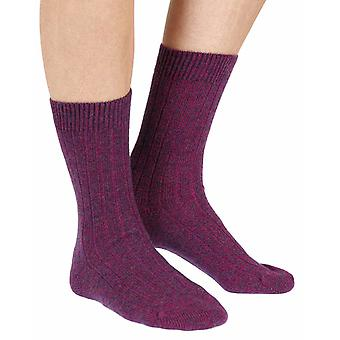 Tabitha women's luxury cashmere crew socks in magenta | By Pantherella