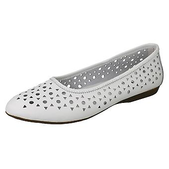 Ladies Down To Earth Leather Ballerinas F80379