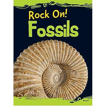 Fossils by Chris Oxlade - 9781474714143 Book