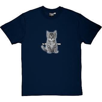Estou pensando pensamento Crimes: gatinha t-shirt dos homens