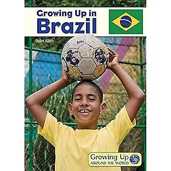 Growing Up in Brazil (Growing Up Around the World)