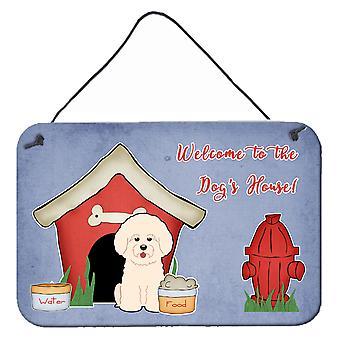 Hond huis collectie Bichon Frise muur of deur hangen wordt afgedrukt