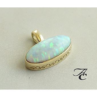 Gold Anhänger mit Opal