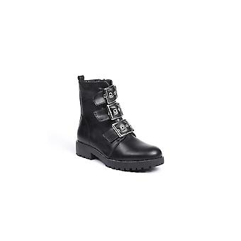 Ideal Boot With Buckle Detail