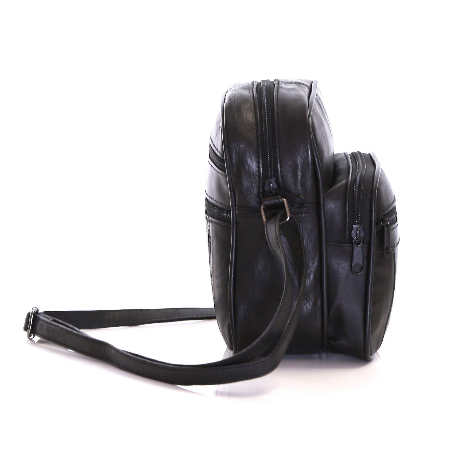 Slimbridge Mengen Small Leather Travel Bag, Black