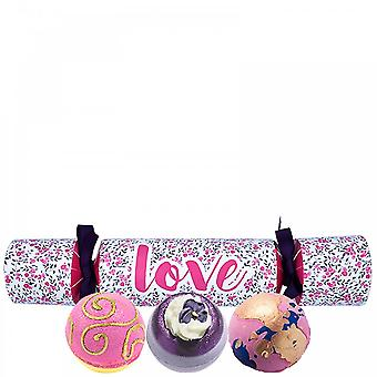 Bomb Cosmetics Bomb Cosmetics Cracker Gift Set - Love