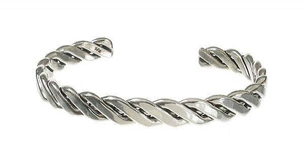 Cavendish French Sterling Silver Solid Chevron Weave Bangle