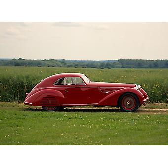 1939 litro de Alfa Romeo 8C 2900B Berlinetta de Lungo 30 sobrealimentado motor Inline-8 desarrollo 180bhp diseñado por el legendario cuerpo de Vittorio Jano desarrollado por recorrer el país de origen Italia Poster Print