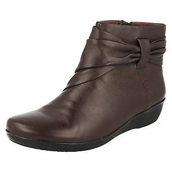 女士 克拉克斯 脚踝 靴子 埃弗莱 曼迪