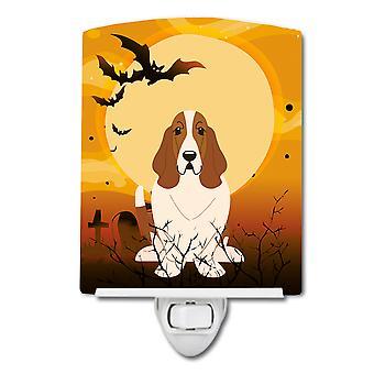 Carolines Treasures  BB4287CNL Halloween Basset Hound Ceramic Night Light