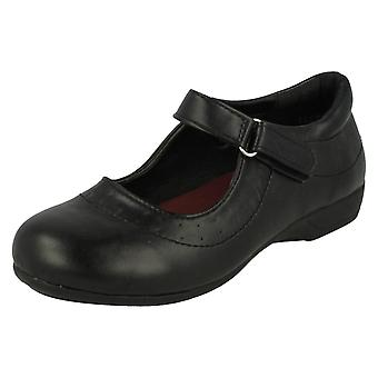 学校靴女の子スポット