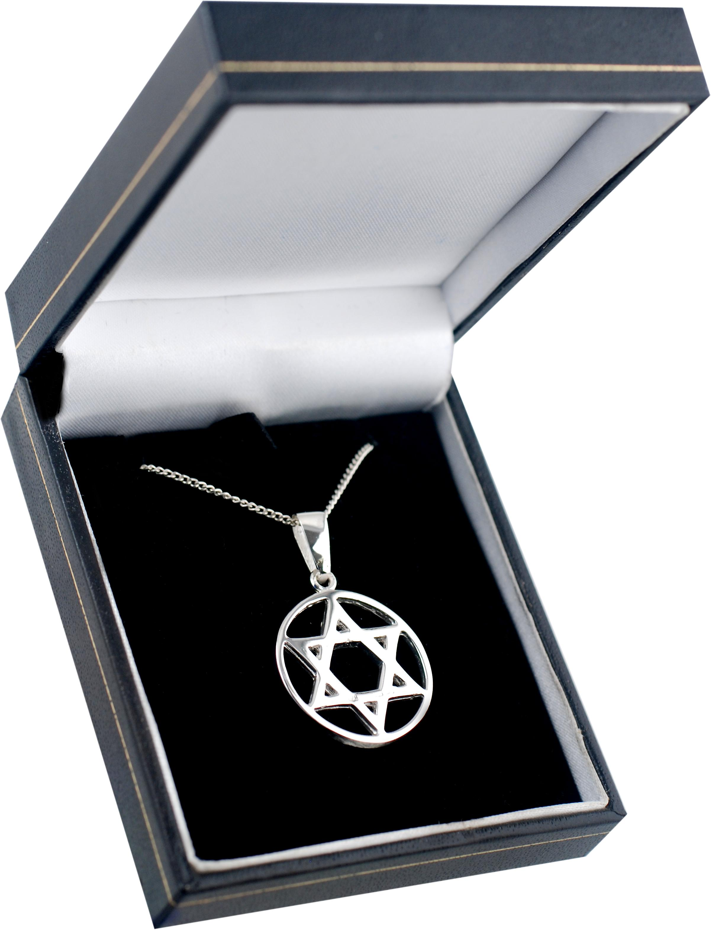 Silver 25mm plain Star of David in circle with a bright cut curb chain