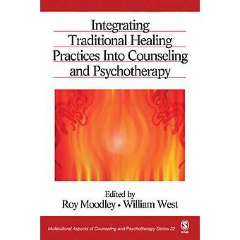 Integração de práticas tradicionais de cura em aconselhamento e psicoterapia por Moodley & Roy