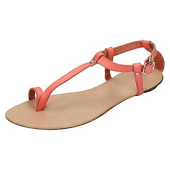 En sandalia plana Toeloop tobillo