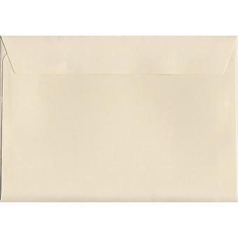 Peel crème/sceau C6/A6 enveloppes couleur crème. Papier certifié FSC de luxe de 120 g/m². 114 mm x 162 mm. enveloppe de Style portefeuille.