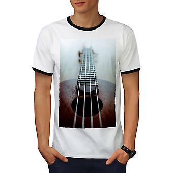 Corde per chitarra musica arte uomo White / BlackRinger t-shirt | Wellcoda