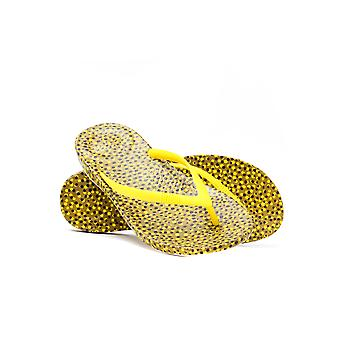 FitFlop Women's iQUSHION Ergonomic Flip Flops - Yellow Bubbles