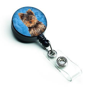 Yorkie szczeniak / Yorkshire Terrier chowany herbu bębnowa
