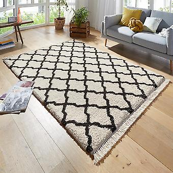 Design carpet deep pile Pearl cream black with fringe