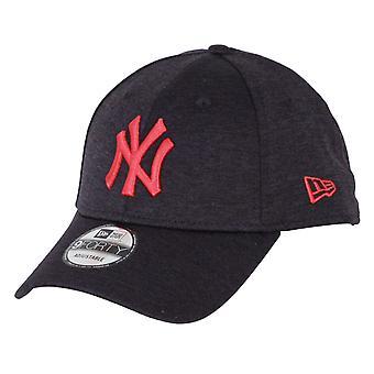 New Era Shadow Tech 9Forty Cap ~ New York Yankees