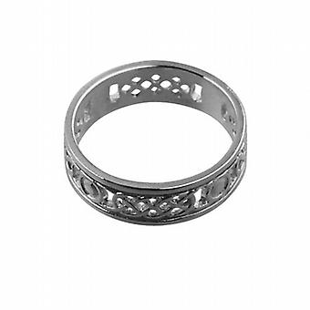 9ct White Gold 8mm Celtic Wedding Ring Size R