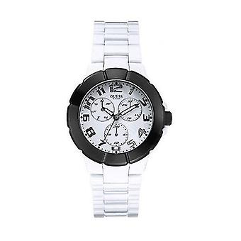 Shows man Guess W11594G4 (38 mm)